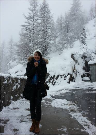 Irma sedang di Chamonix Mont Blanc, Switzerland