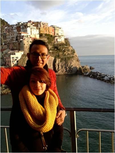 Irma bersama suami di Cingue Terre, Italia