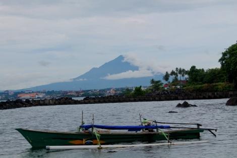 Kota Manado, perpaduan gunung dan pantai yang Indah