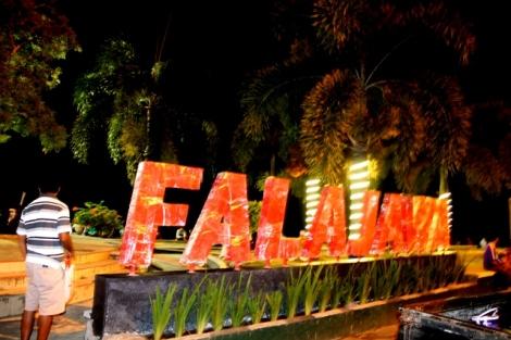 Suasana malam di Pantai Falajawa di Ternate