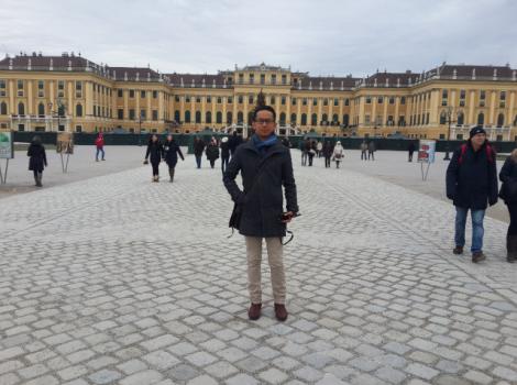 Suhe sedang di Viena Austria