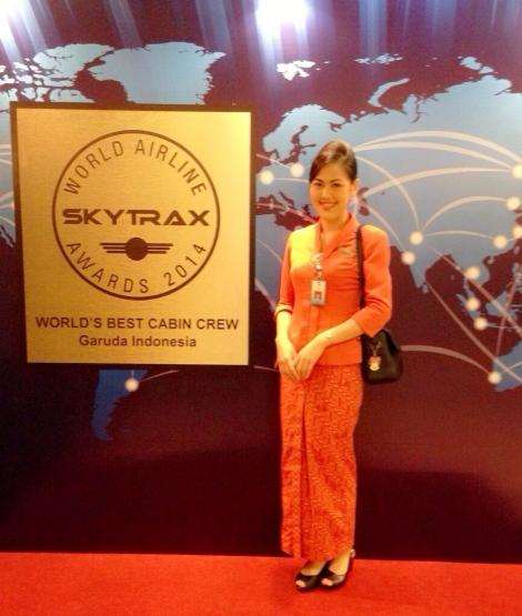 Vita dengan seragam kebesarannya, sebagai Pramugari airlines Garuda Indonesia