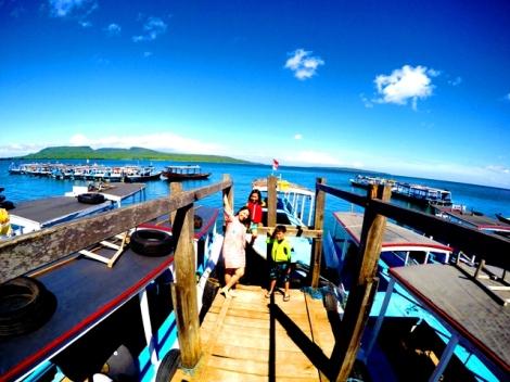 Di Dermaga Penyeberangan ke Pulau Menjangan