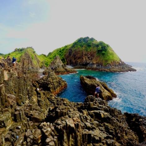 Keindahan Cemeti Beach di Lombok