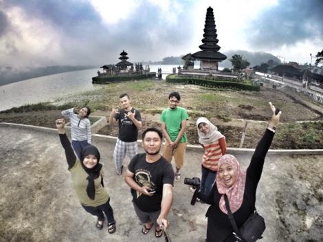 Farli Bersama Teman Teman di Bali