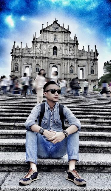 Angga sedang di Ruins of St. Paul's & Monte Fort, Macau