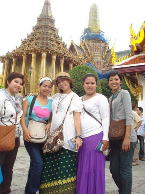 Bangkok Wina Holiday Villa Sales Team Outing