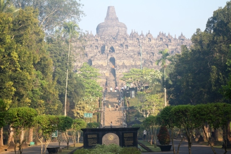 Gerbang Candi Borobudur yang megah