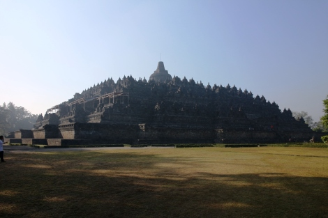 Kemegahan Candi Borobudur dipagi hari