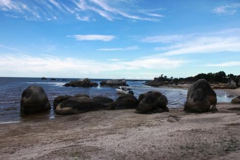 Pantai Laskar pelangi Belitung